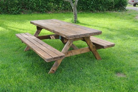 come costruire un tavolo in legno per esterno tavoli in legno per giardino con panche tavolo da