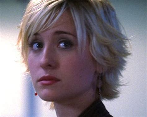 flip up layered hair cut for short hair fabulous flip out bob with awesome layers jpg 450 215 358
