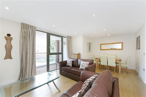 three bedroom apartments london 3 bed apartment to rent silwood street london se16 2az