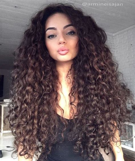 Curled Hairstyles by 25 Best Ideas About Curly Hair On