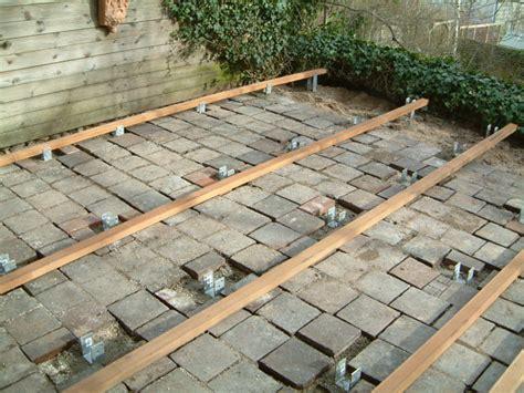terrasse unterkonstruktion balkon mit holz auslegen unterkonstruktion bvrao