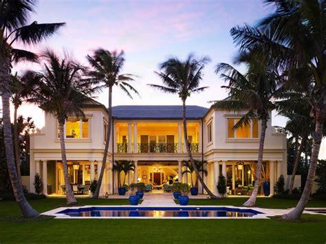 spectacular tropical villa designs  warm