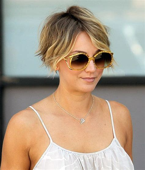 how does kaley cucco style her hair celebs with pixie cuts pixie hair hair dos and