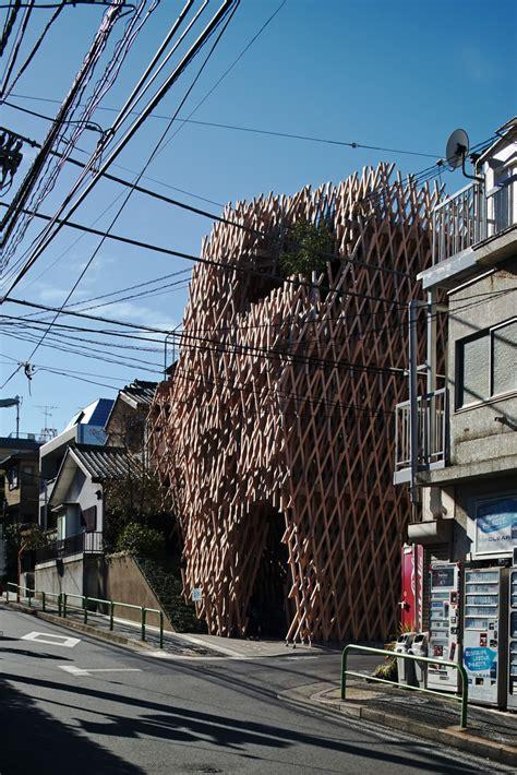 weave shops in tokyo kengo kuma weaves wooden lattice into sunny hills dessert shop