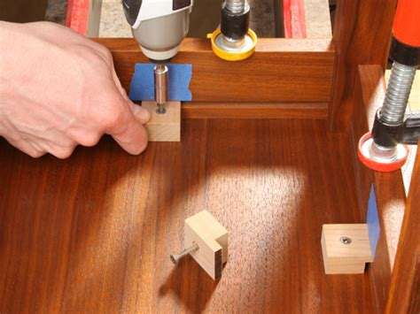 table gluing biscuits dowels woodworkers journal