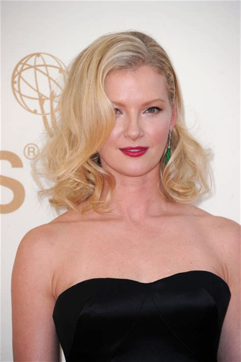 Gretchen Mol And Kristen Bell by Celebfan S Page 63rd Annual Primetime Emmy Awards Arrivals