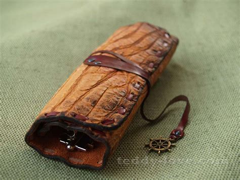 Handmade Leather Items - ideas for handmade leather goods with his own 17