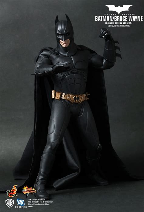 batman begins 2011 toy exclusive hot toys 1 6 batman mms155 bruce wayne