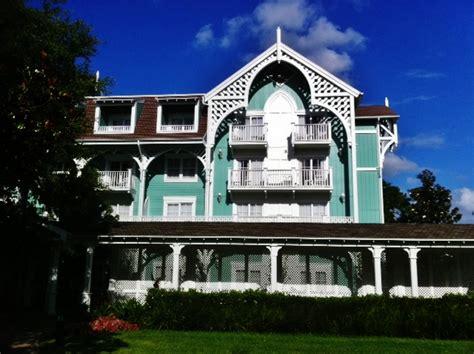 theming and accommodations at the villas at disney s grand theming and accommodations at disney s beach club villas