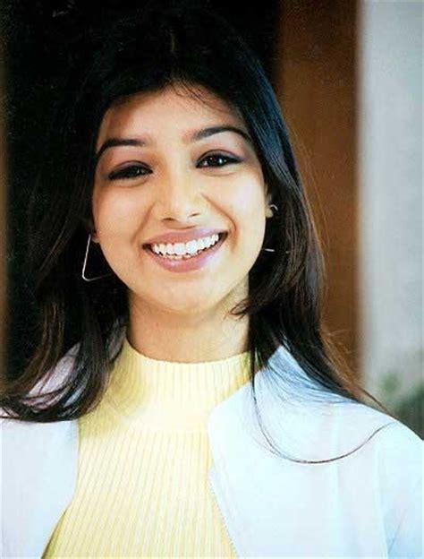 bollywood actress height n weight ayesha takia hot biography ayesha takia hot wallpaper