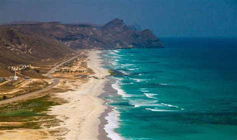 Best Beaches In The World To Visit Visit Stunning Oman And Experience Traditional Arab