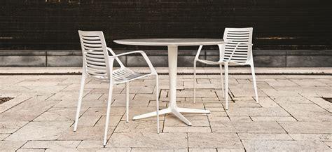 Landscape Forms Chipman Chipman Chair