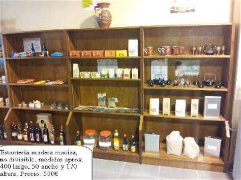 tablon de anuncios estanterias de madera  comercio