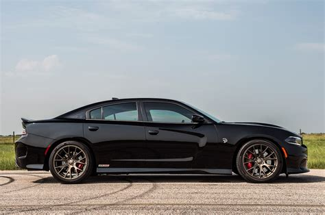 dodge charger hellcat hennessey s 852 hp dodge charger hellcat attacks dyno