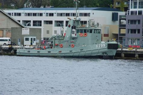 navy tug boats for sale 1982 tug ex navy for sale