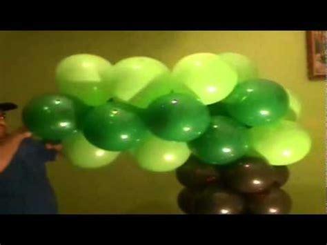 como hacer un pino de globos decoracion con globos como hacer un arbol
