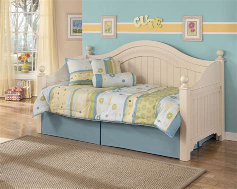 ashley furniture cottage retreat day beds  trundle  classy home