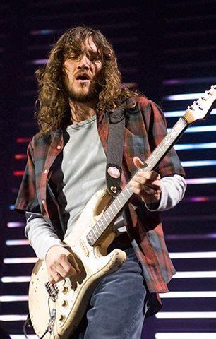 john frusciante  pinterest anthony kiedis fender stratocaster  fender telecaster