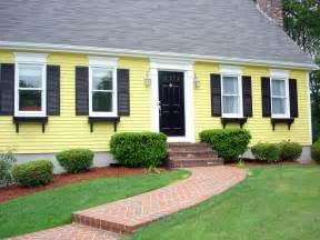 yellow exterior paint yellow exterior paint scheme home decorating pinterest