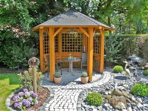 einfacher pavillon gartenpavillon aus holz 10 tipps f 252 r den lieblingsplatz