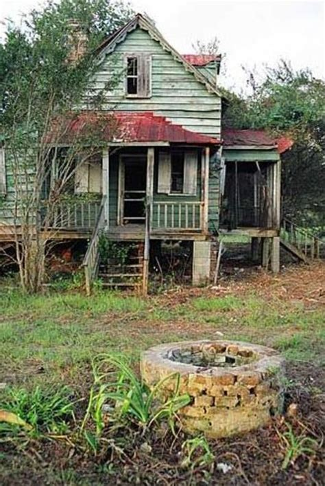 love big farm houses farm houses barns pinterest 4867 best abandoned mansions images on pinterest