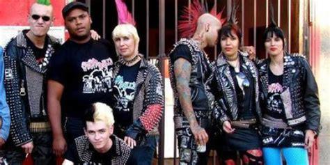 film anak punk polisi manchester lindungi kekerasan terhadap anak punk