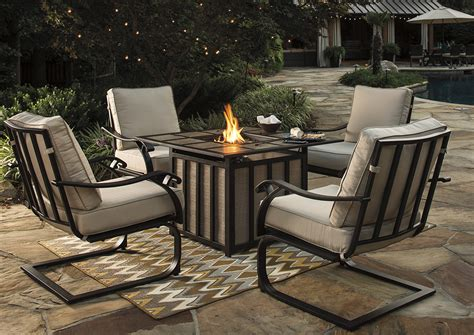 Firepit Chairs Big Box Furniture Discount Furniture Stores In Miami Florida Wandon Square Pit Table W 4