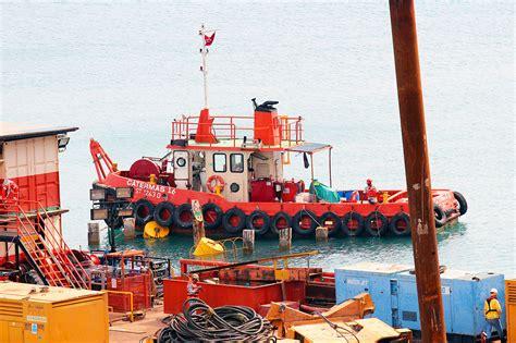 tug boat singapore crane barge barge charter