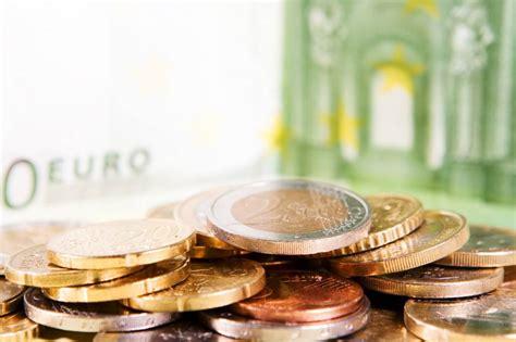 quale scegliere per aprire un conto corrente conto corrente bancario o postale quale segliere