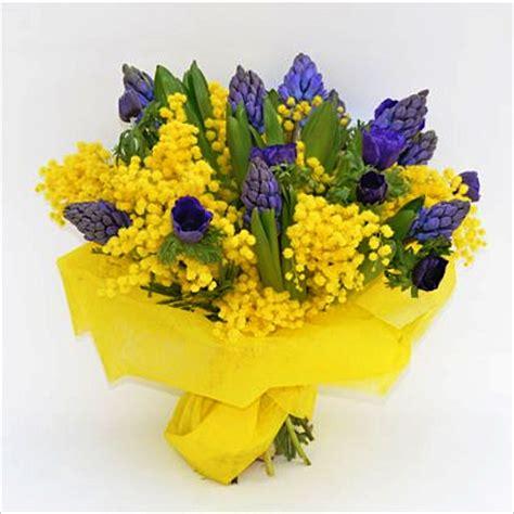 bouquet mimosa e fiori foto bouquet di mimosa e giacinti fiori de berto consegna