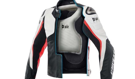 Pelindung Bahu dainese rilis jaket dengan airbag pelindung tulang bahu gilamotor