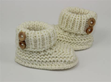 free baby boots knitting pattern knitting baby chunky 2 button booties shoes