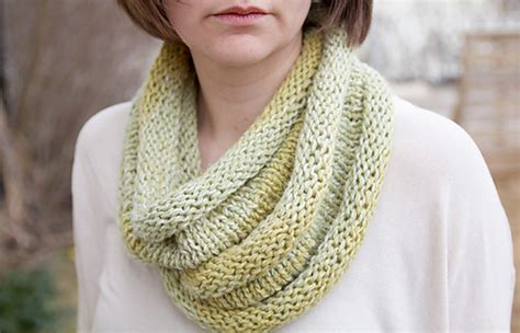pickles knitting ravelry roll cowl rullehals pattern by heidi pickles