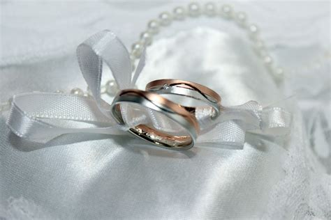 gold marriage rings free photo wedding ring marriage gold ring free image