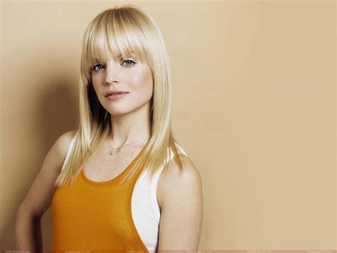 actress american beauty booty me now mena suvari hot wallpapers