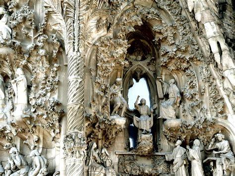 Sagrada Familia   Camping & Bungalow Globo Rojo Barcelona