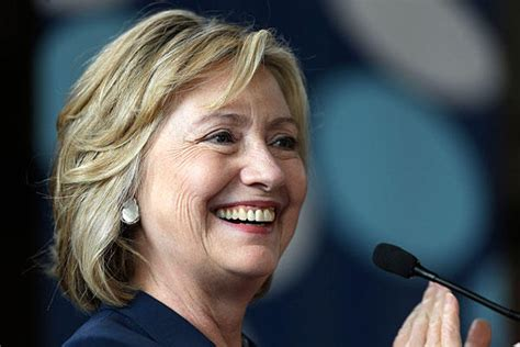 hillary clinton hairstyle pictures is hillary clinton s new hairstyle a 2016 makeover or do