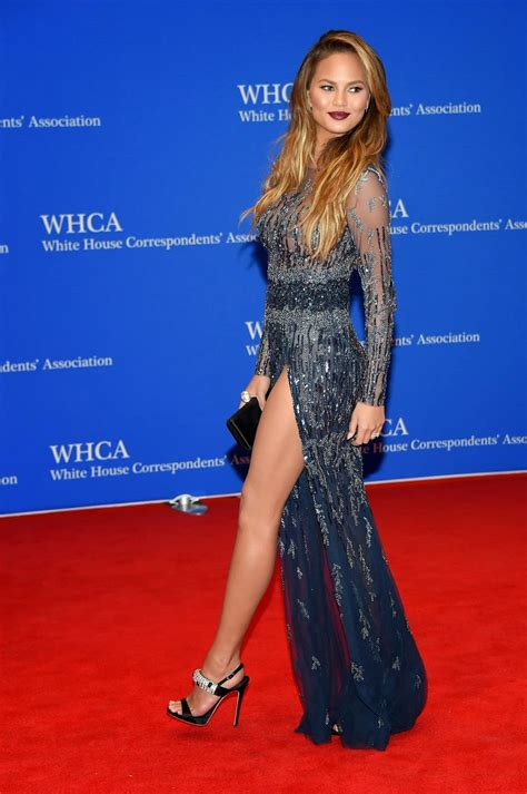 models the 2015 white house chrissy teigen shows off legs for the 2015 white house