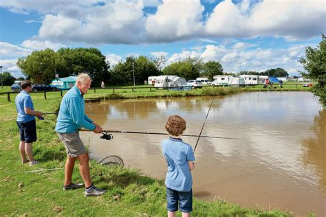 lakes in lincoln fishing lakes in lincoln uk the best lake 2017