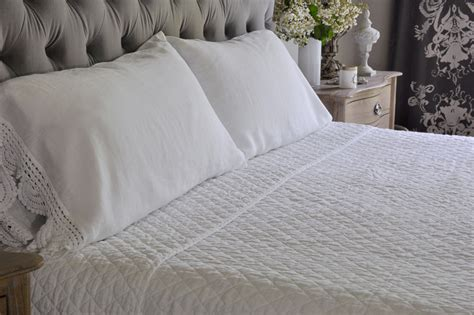 how to make a beautiful bed how to make a beautiful bed the sheer bliss of linen decor