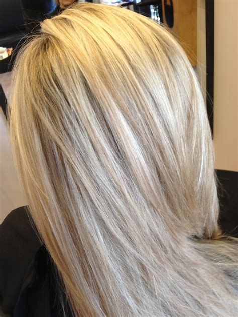 platimum hair with blond lolights light blonde hair platinum blonde with chunky lowlights