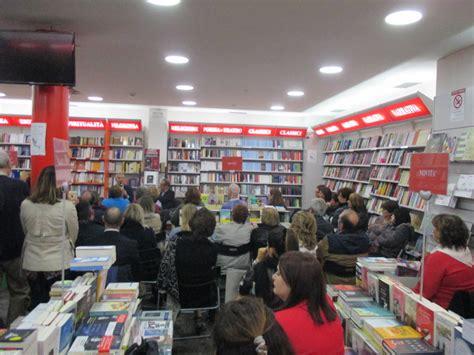 libreria mondadori velletri castelli notizie cultura il bookstore mondadori di
