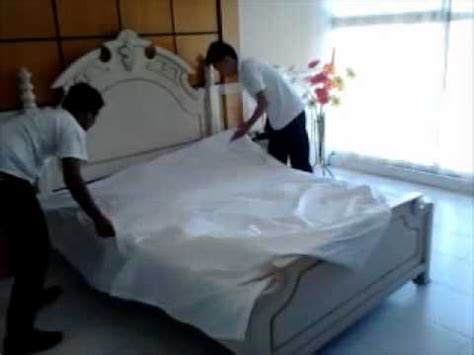 how to make a hotel bed 5 star hotel bed making procedure wmv youtube