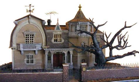 Munsters House In Color by Moebius Models 929 1 87 The Munsters The House At 1313