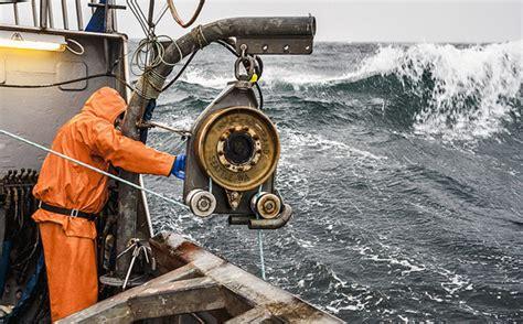 alaska fishing boat pay deadliest jobs what do alaska adventure jobs pay