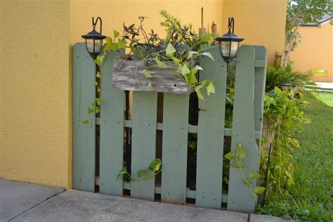 Pallet Garden Fence by Camelot Creations Garden Pallet