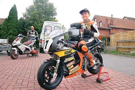 Motorradrennen F R Kinder by Motorsport Ein Junges Talent Auf Zwei Hei 223 En R 228 Dern