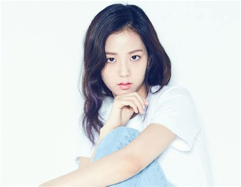 blackpink jisoo blackpink s jisoo to try mcing for first time soompi