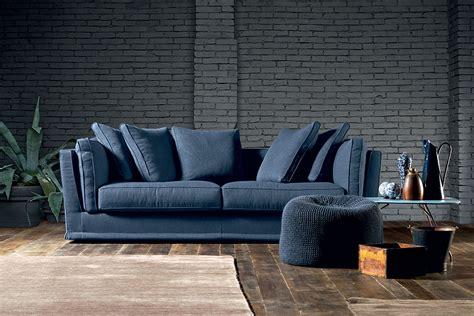 sta su cuscini un divano come il mare per il tuo salotto perfetto