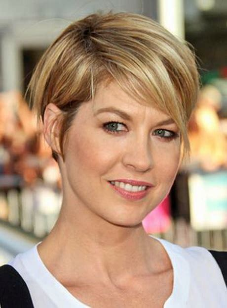 channel haircuts jenna elfman wedge haircut hairstyle channel women